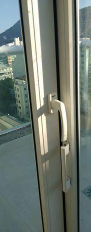 Porta de correr em PVC isolamento acústico